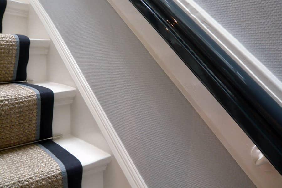 Schilderwerk en wandafwerking klassieke trap - Schildersbedriif Boerstoel